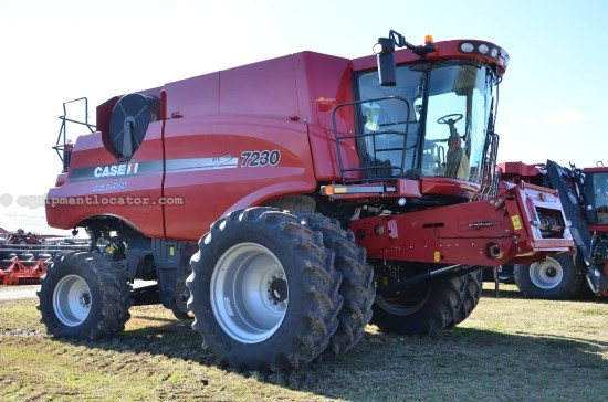 Combine For Sale:  2013 Case IH 7230, 1038 Est Hours, 279999.00 USD