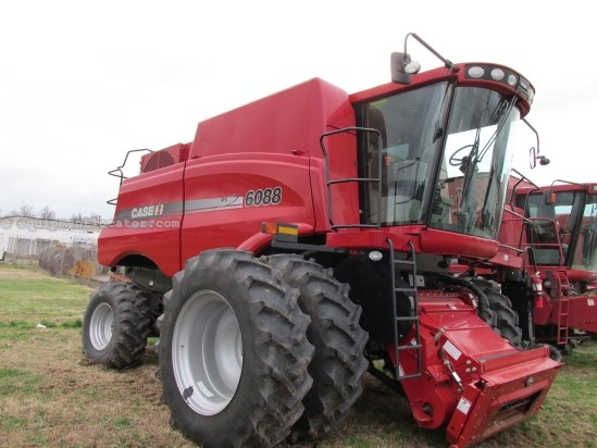 Combine For Sale:  2011 Case IH 6088, 382 Est Hours, 216936.00 USD