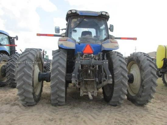 2012 New Holland T8330 - 610 hrs, Hi Flow, Cab Susp, 480R50 Duals Tractor For Sale