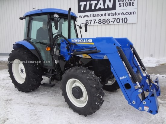 2012 New Holland TD5050 - 1046 hrs, 825TL Loader, 2 hyd, 3pt, PTO Tractor For Sale
