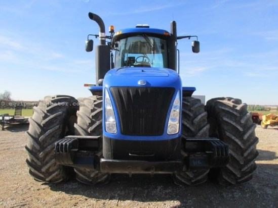 2012 New Holland T9560HD - 300 hrs, Hi Flow, Full AutoSteer, 710R42 Tractor For Sale