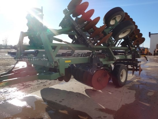 "2009 Wishek 862, 26', Pull Type, 28"" Solid Blades, Scrapers Disk Harrow For Sale"