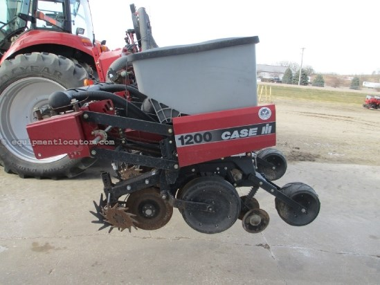 2008 Case IH 1200, 12R30, LIQUID FERT, STACKER, MONITOR  Planter For Sale