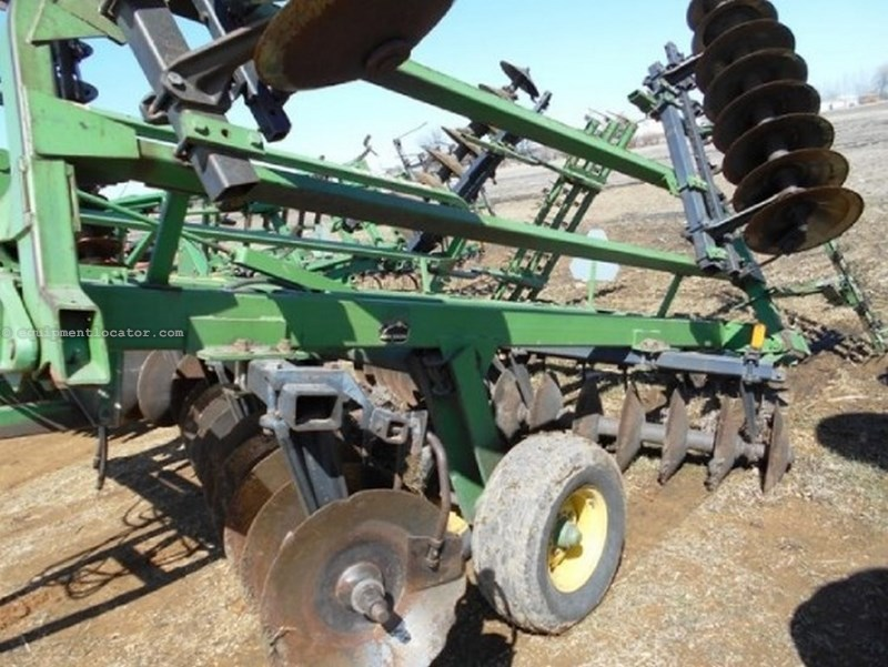 John Deere 235, 22', Rigid Gang, Coil Tine, Center Tandems Disk Harrow For Sale