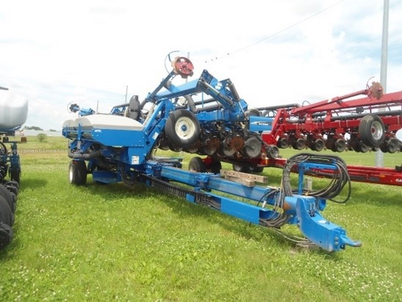 New Holland SP580, 12R30, Hyd Drive, Vac Meter, Markers Planter For Sale