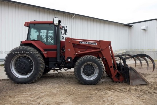 1997 Case IH 8910, 14377 Hr, CIH Bucket, Dlx Cab, 4 Remotes Tractor For Sale
