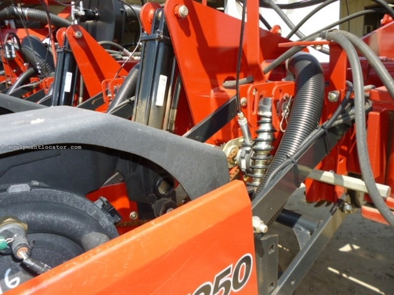 2009 Case IH 1250, 16R30, Whippers, Vac Meter, GPS/Pop Monitor Planter For Sale