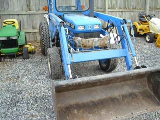 Tractor For Sale:  1998 New Holland 1320