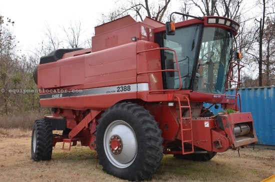 Combine For Sale:  2000 Case IH 2388, 3525 Est Hours, 76399.00 USD