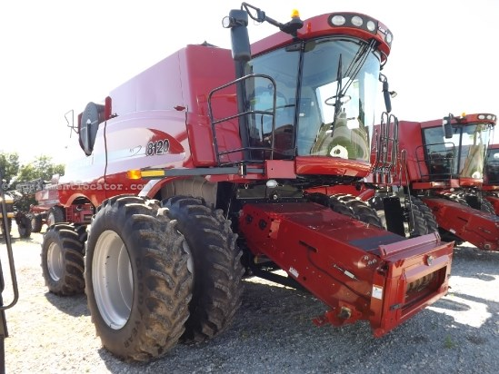 Combine For Sale:  2011 Case IH 8120, 982 Est Hours