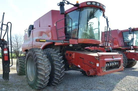 Combine For Sale:  2009 Case IH 8120, 1647 Est Hours
