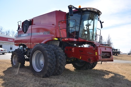 Combine For Sale:  2013 Case IH 8230, 474 Est Hours, 314737.00 USD