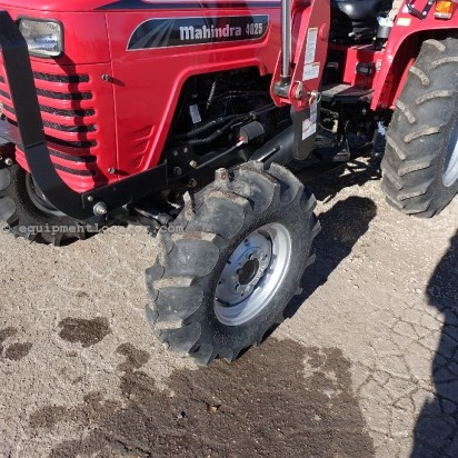 2012 Mahindra 4025 - 17 hrs, Loader/Bucket, 41 HP Tractor For Sale