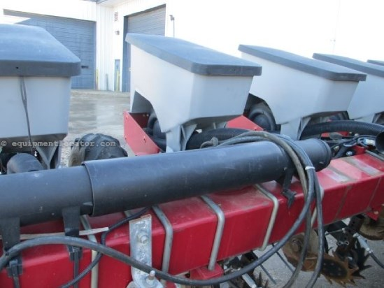 2003 Case IH 1200, 8R30, 3 PT Hitch, Liquid Fertilizer Planter For Sale
