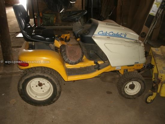 Riding Mower For Sale:  Cub Cadet 3206