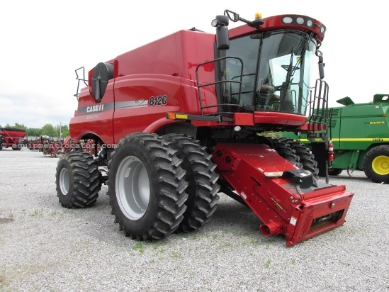 Combine For Sale:  2011 Case IH 8120, 1171 Est Hours, 230391.00 USD