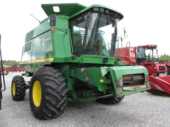 Combine For Sale:  1998 John Deere 9510, 3807 Est Hours, 52105.00 USD