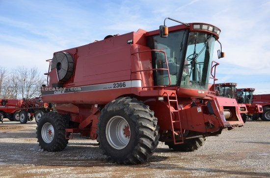 Combine For Sale:  Case IH 2366, 2449 Est Hours, 98600.00 USD