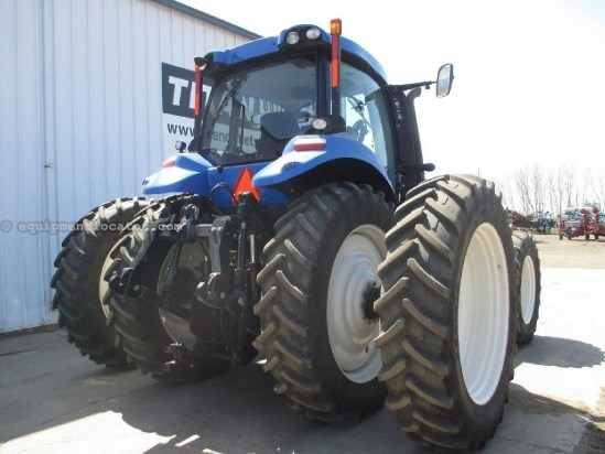 2012 New Holland T8330, WARRANTY*, 5 REMOTES, CAB SUSPENSION Tractor For Sale