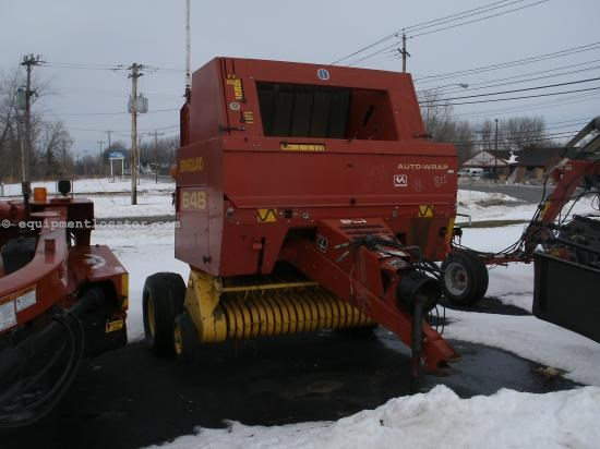 Baler-Round For Sale:  2002 New Holland 648