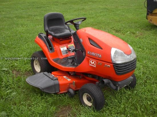 Riding Mower For Sale:  2006 Kubota T1870