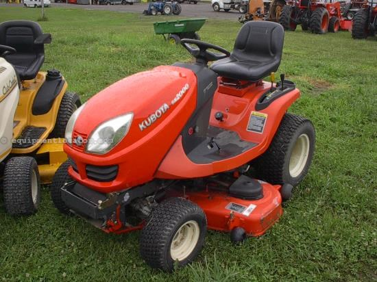 Riding Mower For Sale:  2005 Kubota GR2000
