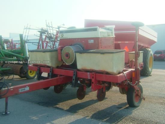Planter For Sale:  1990 Case IH 950