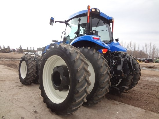 2012 New Holland T8330 - 1081 hrs, F&R Dls, 23 spd Creeper, HiFlow Tractor For Sale