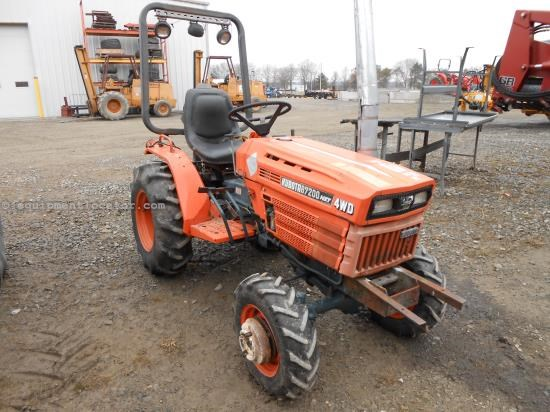 Tractor For Sale:  1987 Kubota B7200