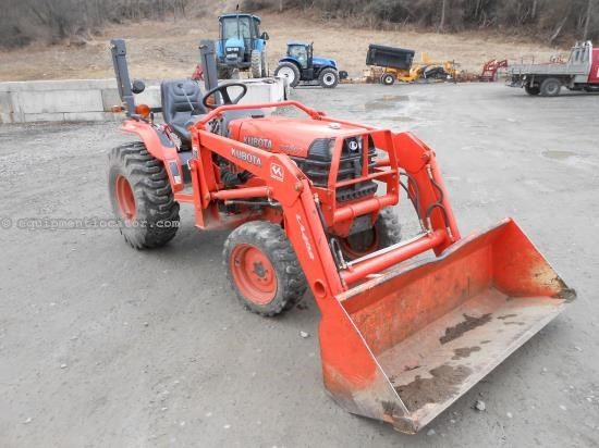 Tractor For Sale:  2005 Kubota B7800HSD