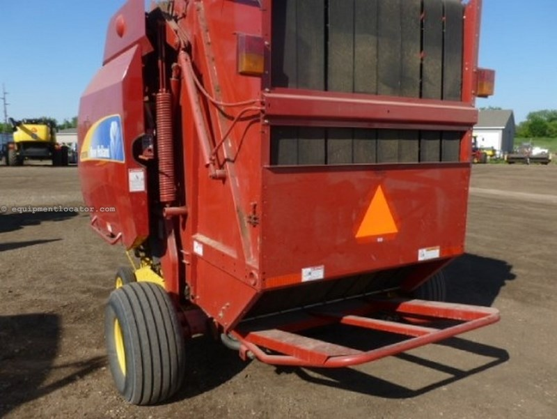 2009 New Holland BR7090, Belt Type, Kicker, Monitor, Counter Baler-Round For Sale