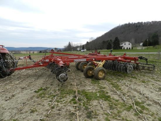 Disk Harrow For Sale:  2012 Krause 8000