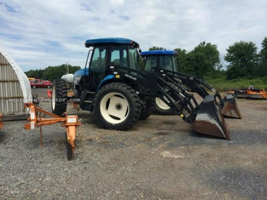 Tractor For Sale:  2000 New Holland TV140