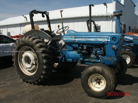 Tractor For Sale:  Ford 7000