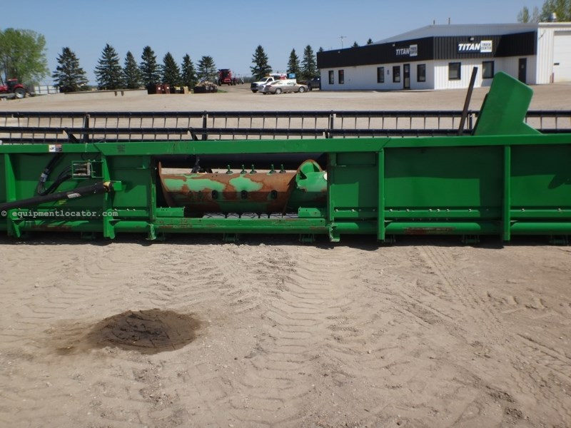 2009 John Deere 635F, 35', 9760/9670/9770/9870, Steel Reel Header-Flex For Sale