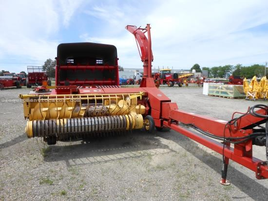 Forage Harvester-Pull Type For Sale:  2001 New Holland FP230