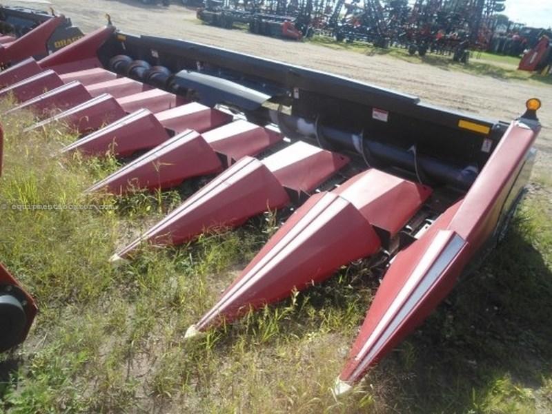 2009 Drago 8R30, Chopping, Hyd Dk Plate, HHC, FT, Knife Rolls Header-Corn For Sale