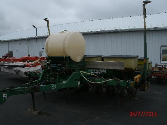 Planter For Sale:  1985 John Deere 7000