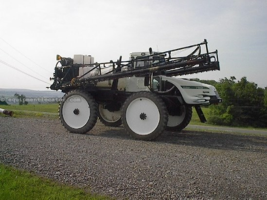 Sprayer Booms For Sale:  Willmar 7450