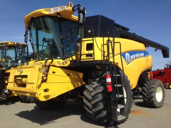 Combine For Sale:  2013 New Holland CR6090