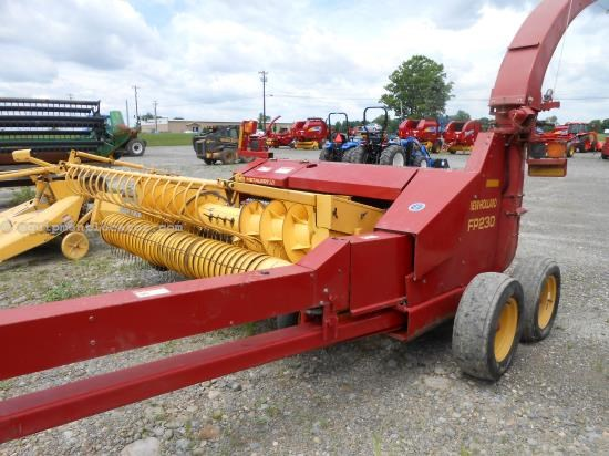 Forage Harvester-Pull Type For Sale:  2000 New Holland FP230