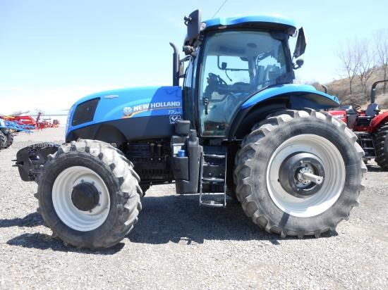 Tractor For Sale:  2012 New Holland T7.210