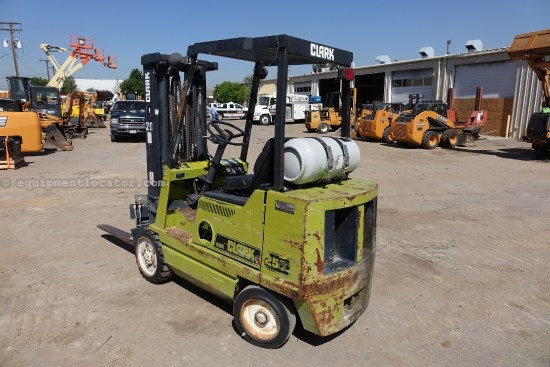 1992 Clark  GCX25, Cushion Tires, Three Stage Mast Lift Truck/Fork Lift-Industrial For Sale