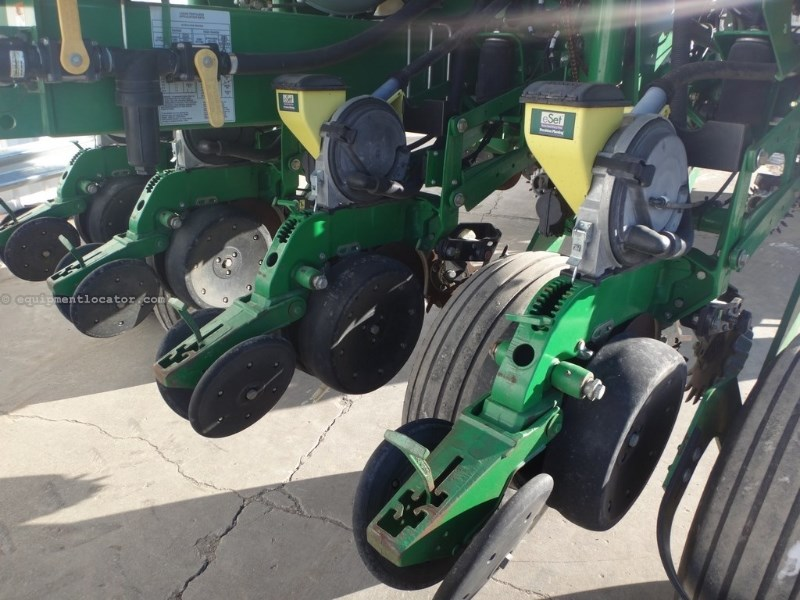 2011 John Deere 1770, 16R30,Pneum Down,Sgl Row Shut offs,Precision Planter For Sale