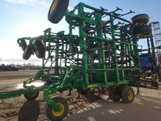 "2013 John Deere 2210, 50',w/ SC230 Cart, 6"" Spacing Air Seeder For Sale"
