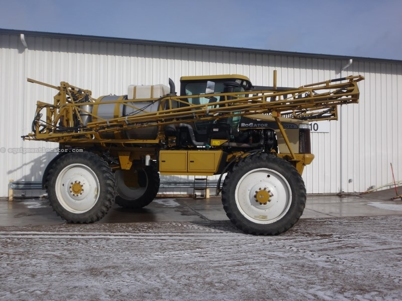 2006 RoGator 1074, 100', Markers, 4X4, Stainless, Boom Ht Contr Sprayer-Self Propelled For Sale