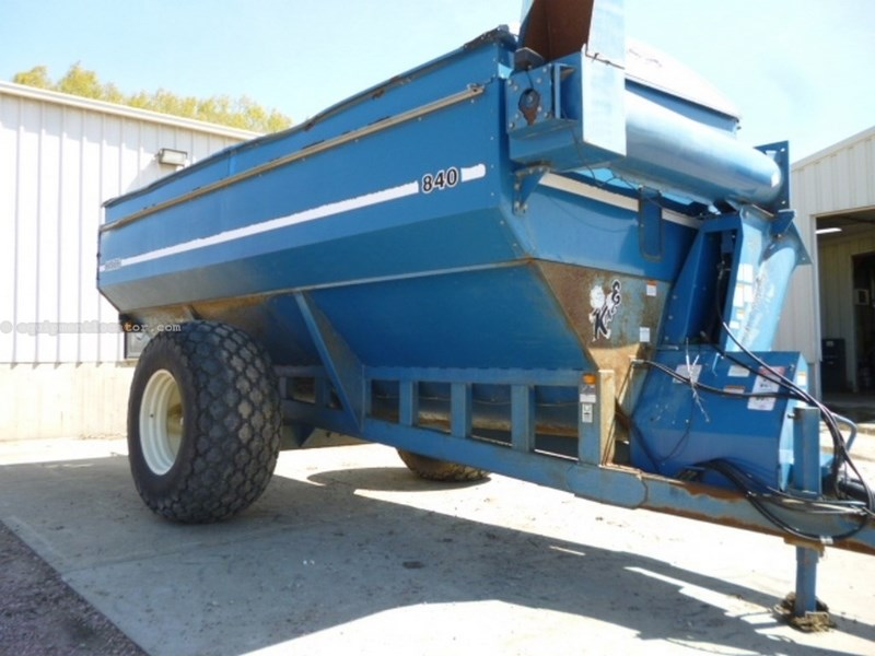 2000 Kinze 840, 1000 PTO, Knobby Tires, Hyd Auger Fold, Tarp Grain Cart For Sale