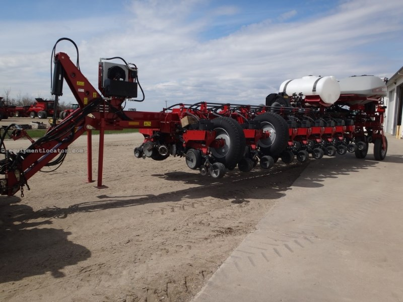 2014 Case IH 1255, 24R30, Liq Fert, Vac Meter, Trash Wheels Planter For Sale