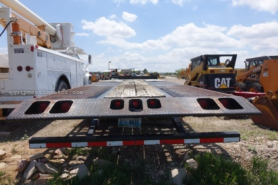 2011 Interstate 40TDL, 40000 Lbs capacity, 24' tilt deck  Equipment Trailer For Sale