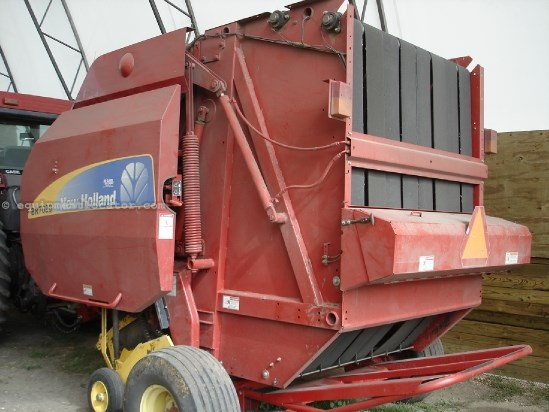 2010 New Holland BR7090, 9557 Bales, Net & Twine, 1000 PTO, Kicker Baler For Sale